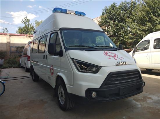江铃特顺监护型救护车(高顶/长轴)