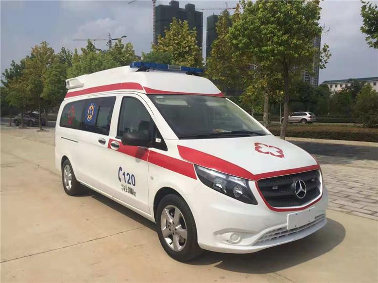 国六奔驰威霆救护车
