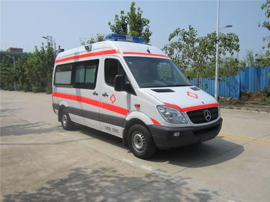 奔驰324救护车