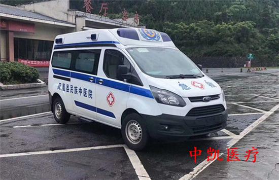 负压型江铃福特(航空舱)救护车 国六柴油版